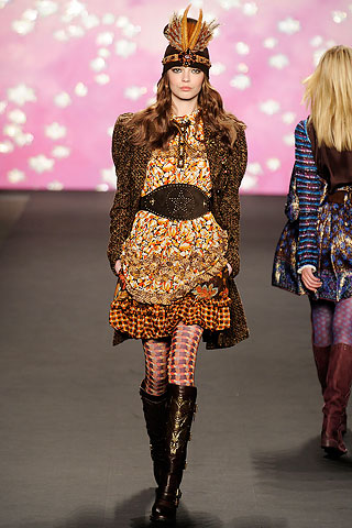 Anna Sui Country belted Runway Look
