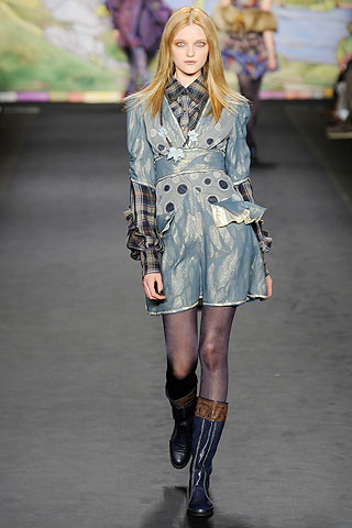 Anna Sui Ice Blue Runway look