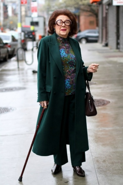 Classic And Elegant Fashion Style For Older Woman