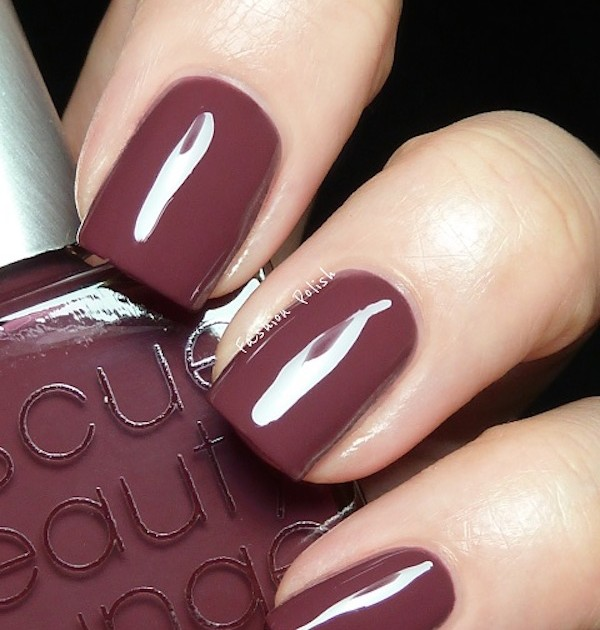 Spectacular Nail Colors to Sport This Fall & Winter