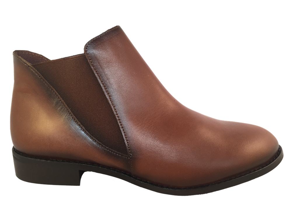 comfortable brown flat boots