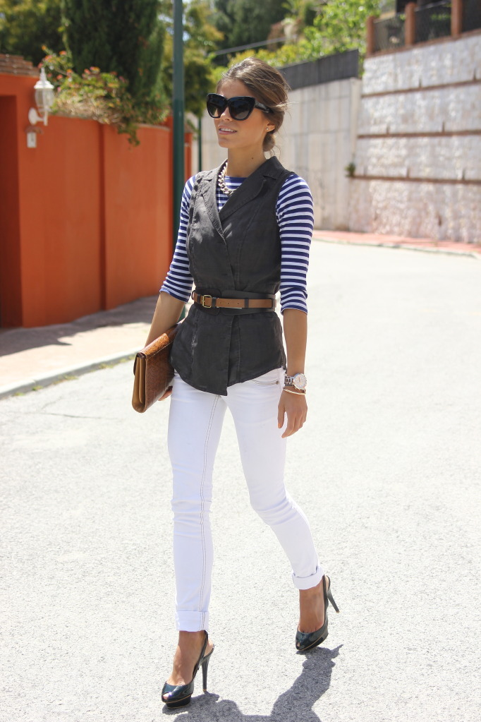 how to style vest