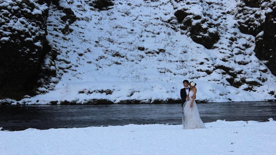 Winter Color Trends and How to Use Them At Your Wedding
